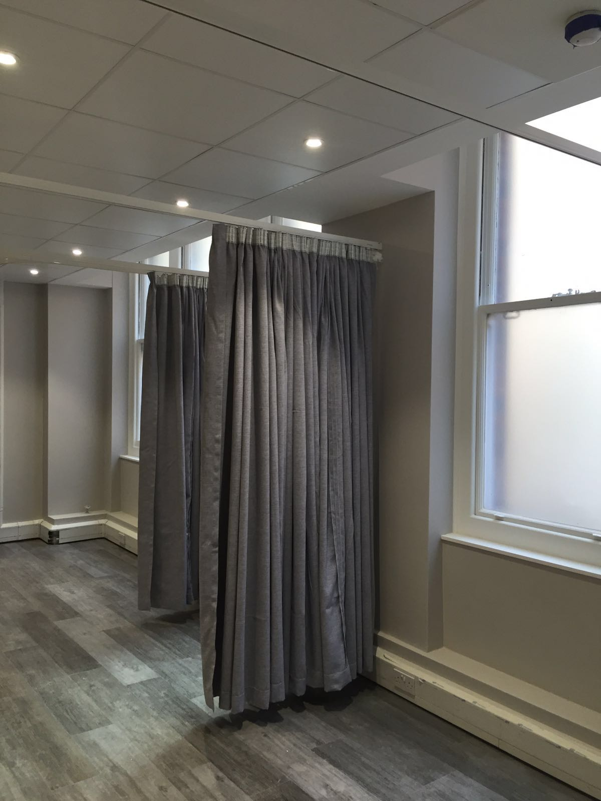 Cubicle Curtains & NHS Certified Tracks For Beauty Rooms